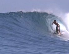 Decent barrels along Juara's beach